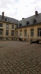 Ancien évéché - Français:   Palais de l\'évêché d\'Amiens 11