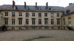 Ancien évéché - Français:   Palais de l\'évêché d\'Amiens 12