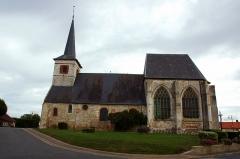 Eglise -  Feuquières-en-Vimeu (Somme, France).   L'église. Les murs de la nef sont en grande partie appareillés en arête-de-poisson.