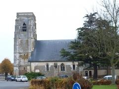 Eglise Saint-Samson et cimetière - Français:   Moyenneville (Somme, France); l\'église