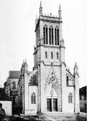 Place de la cathédrale Saint-Jean -