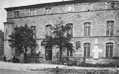 Ancien château - English: La Mairie (Town Hall), Vallon, Ardèche département, France.