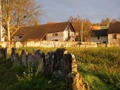 Château de Montagnieu - Français:   Chapelle (ancienne grange) de Montagnieu.