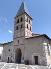 Eglise Saint-Laurent-des-Prés - Français:   Église de Tullins en 2019