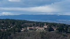 Tour - English: The Château d'Essalois with the Saint-Just-Saint-Rambert city in the background, in France.