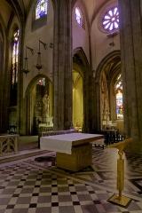 Grand'Eglise ou Eglise Saint-Etienne - Vue de l'autel de l'église Saint Laurent et Saint-Etienne dite