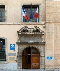 Ancien Collège de la Trinité, actuellement lycée Ampère - French Wikimedian, software engineer, science writer, sportswriter, correspondent and radio personality