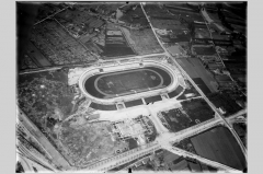 Stade municipal dit stade Gerland - Français:   Vue aérienne oblique du stade de Gerland. Photographie nég. sur verre: 18 x 24 cm. Cote 15PH1 657.