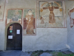 Chapelle Saint-Antoine - English: Sight of the outside mural paintings of Saint-Antoine chapel, in Bessans, Savoie, France.