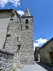 Eglise - English: Sight of the bell tower of Notre-Dame de l'Assomption church of Bonneval-sur-Arc, in the high Maurienne valley, Savoie, France.