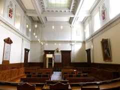 Palais de Justice - English: Salle des audiences solennelles room, seen from the judges seats, in the Chambéry courthouse, Savoie, France.