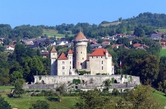 Château de Montrottier - English:   Remote view of the Montrottier Castle in August 2019. Lovagny, France.