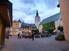 Eglise -  la place centrale de megève