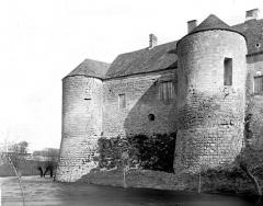 Château - Français:   chateau de Bazoches