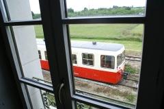 Ligne à voie ferrée métrique le Blanc-Argent (ou B.A.) sur le tronçon Luçay-le-Malé-Argy - Français:   Gare d\'Argy, l\'autorail Verney vue de l\'appartement à l\'étage, le jour de l\'inauguration de la gare rénovée et de la voie du chemin de fer touristique et historique Train du Bas-Berry