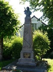 Fonderie du Val d'Osne - Français:   Le monument aux morts de Jou-sous-Monjou, Cantal, France. Œuvre de Charles-Henri Pourquet (1877-1943).