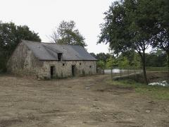Ensemble dénommé Le Grand Poillé - Français:   Grange du logis dans la cour.