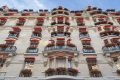 Hôtel Plaza-Athénée -  Facade of the Hôtel Plaza Athénée, Paris