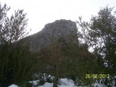 Château de Mirabat (également sur communes d'Oust et d'Ustou) - English: Le chateau de Mirabat en Ariège au dessus de Saint-Girons.
