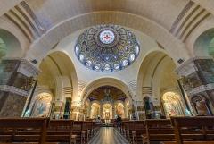 Domaine du sanctuaire de Lourdes - Français:   Basilique Notre-Dame-du-Rosaire de Lourdes, interior.