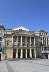 Théâtre municipal - Français:   Le théâtre municipal.