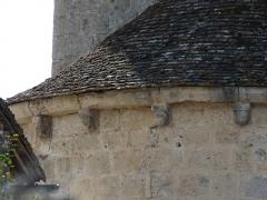 Eglise Saint-Christophe - Français:   Modillons du chevet de l\'église Saint-Christophe de Vindelle, Charente, France.