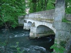 Pont d'Aveny sur l'Epte - Français:   Pont d\'Aveny - Dampsmesnil - Eure (27)