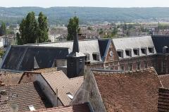 Hôtel Dieu - Français:   Hôtel Dieu de Château-Thierry.