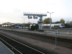 Rotonde et halle-atelier ferroviaires - English: Laon station with the typical TER trains.