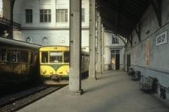 Ancienne gare du Sud - Deutsch: CP, Chemins de fer de Provence: Autorail / Triebwagen in der Halle der Gare Nice CP (Gare de Provence) / des CP-Bahnhofs in Nice / Nizza im August 1980.
