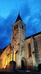 Eglise Saint-Blaise et Saint-Martin - Français:   Église Saint-Blaise-et-Saint-Martin de Chaudes-Aigues. L\'atmosphère y est encore plus mystique au crépuscule.