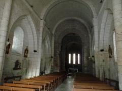 Église Saint-Jean Baptiste - Français:   intérieur de l\'église de Chassenon, Charente, France