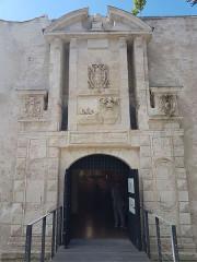 Porte Maubec -  restaurée récemment
