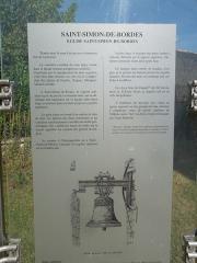 Eglise Saint-Simon - English:   Saint-Simon-de-Bordes, information board at the church