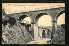 Pont des Courses - English: The pont des courses in Saint-Brieuc,(Britanny, France) the higher is for the Compagnie des Chemins de Fer de l'Ouest, the lower for the Chemins de Fer des Côtes-du-Nord, two former national and local railway companies.