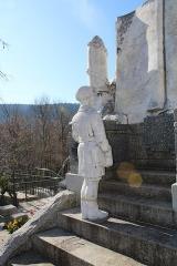Monument aux morts - Français:   Détail de l\'écolier