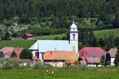 Eglise paroissiale - Français:   Vue sur l\'église de Mouthe, commune française du massif du Jura, dans le département du Doubs.