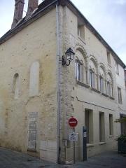 Maison romane - Français:   Maison, 17 rue de Sénarmont, à Dreux (Eure-et-Loir, France)