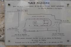 Monument à Marceau dit «Colonne Marceau» - Français:   plaque décrivant le plan de l\'église Saint-Saturnin et de la place Marceau avant 1793, Chartres, Eure-et-Loir, France.