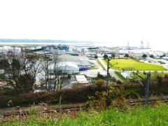 Tumulus de Réuniou - Brest: la zone industrialo-portuaire, partie centrale, vue du plateau de Saint-Marc