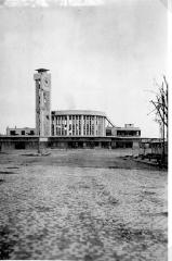 Tumulus de Réuniou - La gare de Brest après les bombardements - 1944