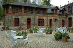Ancien pavillon de chasse de Moniven - Français:   Château de Trévarez