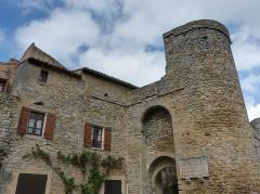 Fort - Français:   Saint-Laurent-la-Vernède