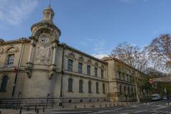 Ancien hospice devenu palais des arts, puis agrandi en lycée, actuel lycée Alphonse Daudet -  Nimes