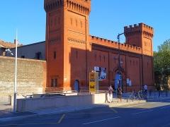 Ancienne prison Saint-Michel - Français:   Bouche de métro à côté de l\'ancienne prison Saint-Michel.