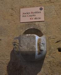 Église de la Nativité de Notre-Dame - Français:   bénitier des cagots de l\'église de Bassoues