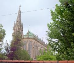 Eglise Saint-François de la Pierre-Rouge, de l'enclos Saint-François -  En tenant l'appareil photo au dessus du mur d'enceinte...