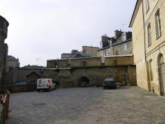 Enceinte fortifiée -  alentours des portes mordelaises