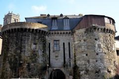 Enceinte fortifiée - English: Porte Mordelaise Rennes