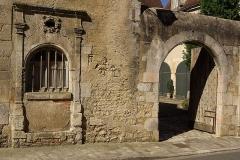 Hôtel de Châtillon de Villemorand (autrement de Busson de l'Age), sis Ville Haute - English: Historical mansion (16è century) in Le Blanc Indre at the 24 rue du docteur Fardeau.